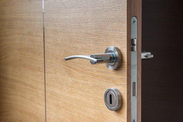 A belső ajtók használata előnyökkel jár