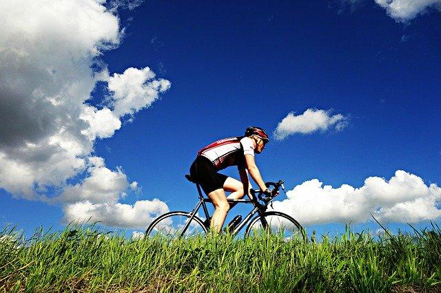 Hogyan válasszuk ki az országúti biciklit?