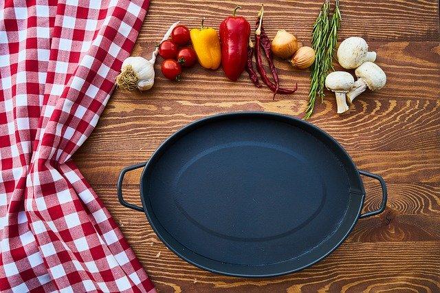 A gránit edénykészlet nagyszerű ízeket kölcsönöz